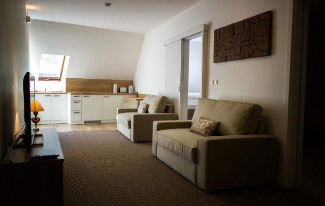 A7 Apartments ***
